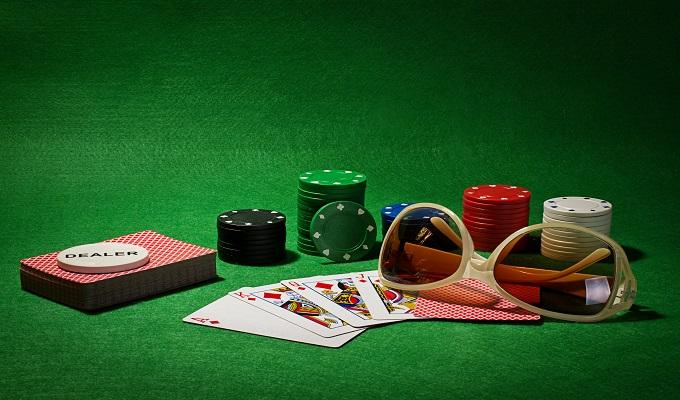 Pa-Pa-Pa Poker face